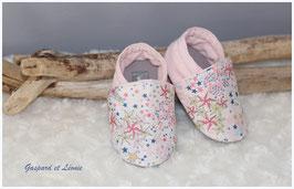 Chaussons bébé molletonnés Liberty Adelajda Rose Japonais, rose pale et gris