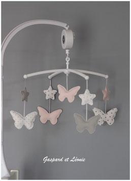 Mobile musical étoiles et papillons