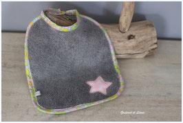 Bavoir en éponge grise Liberty Betsy Béryl rose et son étoile