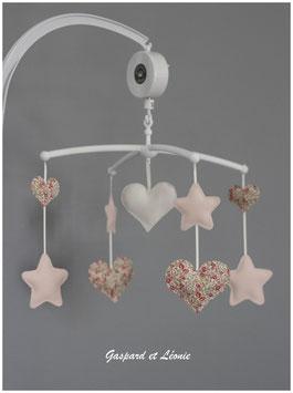 Mobile musical Liberty Eloise rose étoiles et coeur
