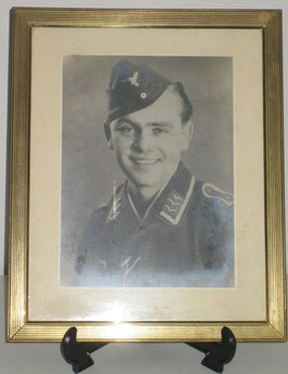 Framed picture of a german Luftwaffe 'Unteroffizier'