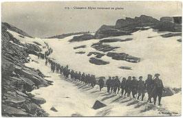 Chasseurs Alpins traversant un glacier