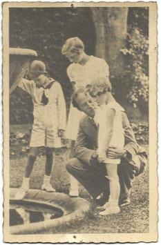 Belgisch Koningshuis 'Leopold III met zijn drie kinderen'
