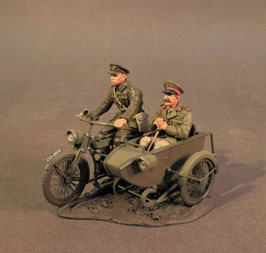 The Great War 1914-1918 - Motorbike and sidecar with officer