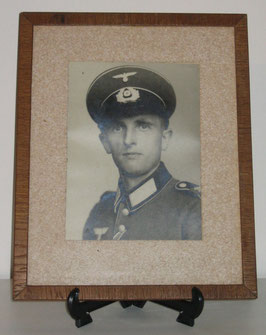 Framed picture of german soldier with 'EK2'-ribbon