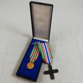 Duo van Italiaanse medailles - '50. Anniversario Della Vittoria 1918-1968' en 'Croce Ordine Cavaliere di Vittorio Veneto'