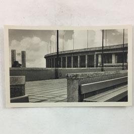 German postcard 'Reichssportfeld - Blick v. Schwimmstadion auf das Osttor u. die Deutsche Kampfbahn'