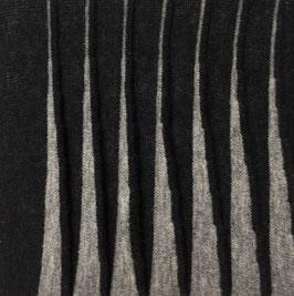 Relief grijs in zwart II