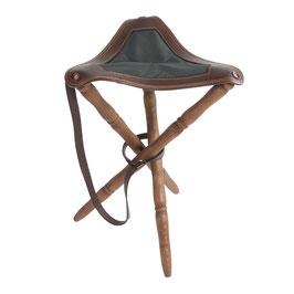 Silla de caza trípode con asiento en piel de bovino y sarga, patas torneadas en madera de haya