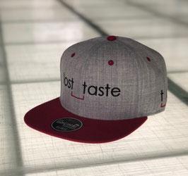 lost_taste - Snapback grey (Bestickt)
