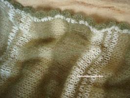 Wunderbar zarter Wrap im Materialmix, moosgrün/ pistazie/ wollweiß