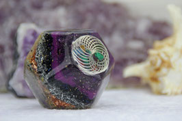 Dodekaeder – 2cm – Silbernes Drahtrad gefüllt mit Edelsteinen, umgeben von fünf Kristallwänden und mit einem filigranen Muster in Antiksilber