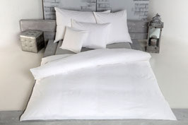 83.001.13 Percale weiss