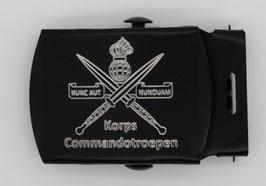 Korps Commandotroepen gesp zwart gegraveerd (nieuw)