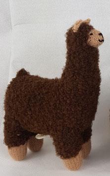"""Kuscheltier """"Alpaquita"""" braun / Plush toy """"Alpaquita"""" brown"""