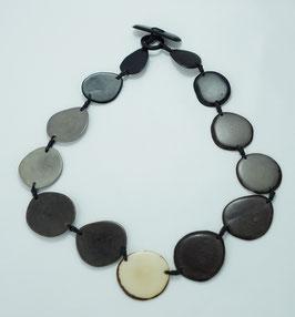 "Tagua-Kette ""Carlotta"" schwarz- grau/ Tagua Necklace ""Carlotta"" black- grey"