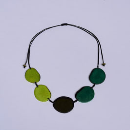 "Tagua-Kette ""Carmela"" grün, verstellbar / Tagua Necklace ""Carmela"" , green, adjustable"