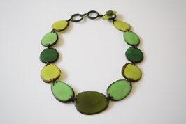 "Tagua-Kette ""Cayla"" grün/ Tagua Necklace ""Cayla"" grün"