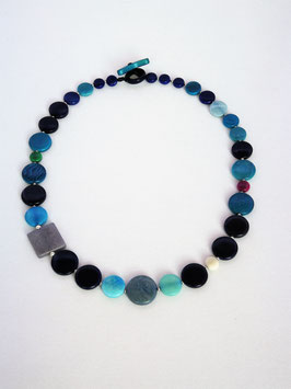 "Tagua-Kette ""Mia"" blau/ Tagua Necklace ""Mia"" blues"