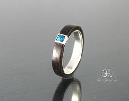 Holzring aus Silber | Akazienholz | Opal (lab) dunkelblau