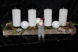 Kerzengesteck mit 4 Kerzen lang