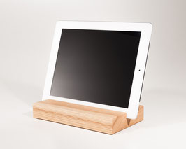 WOOD U? PURE - Halterung für iPad und Tablet aus Eiche