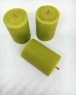 3 Bienenwachskerzen, olivgrün, klein, rund, 8,5cm x 4,5cm
