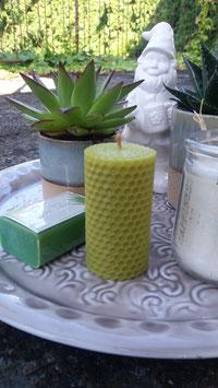 3 Bienenwachskerzen, olivgrün, groß, verschiedene Formen, 8,5cm x 6cm