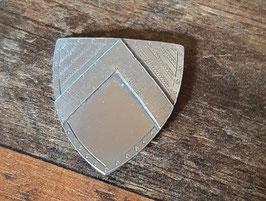 EF036 Warwick Miniaturen Schild aus Metall 4,5cmBx5cmH hinten mit 2 Handgriffen