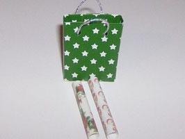 EF091 Weihnachtstasche grün mit 2 Rollen Geschenkpapier