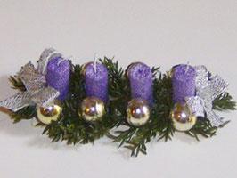 EF046 Weihnachtsgesteck, Adventsgesteck mit 4 Kerzen lila