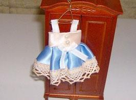 EF026 Kinderkleid hellblau/lachs 9 cm auf Kleiderhaken