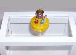 EF029 Nagellack und Parfüm auf Tablett rund Modell 1