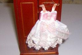 EF087 Kinderkleid rosa/weiss 10 cm auf Kleiderhaken