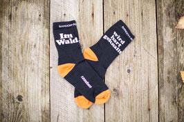 IM WALD WIRD HART GEKNALLT Socks
