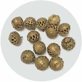 Knöpfe 14 Stk. Metall goldfarben Kugeln durchbrochen