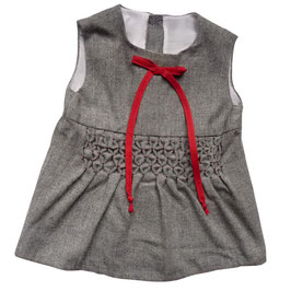 Baby-Kleidchen VINTAGE 1960s grau Smokstickerei ca. 6 Mt