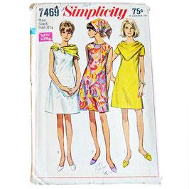 Schnittmuster Shiftkleid SIMPLICITY 60s mit Dreiecktuch S