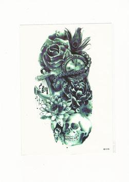 Oberarmtattoo mit Skull, Rose und Uhr