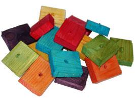 Pièces de bois colorées