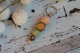 Schlüsselanhänger Holz & Silikonkugel / gold & mint