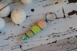 Schlüsselanhänger Holz & Silikonkugel / apfelgrün & mint