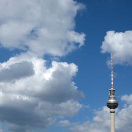 "Foto auf Alu-Dibond ""Berliner Fernsehturm im Himmel"""