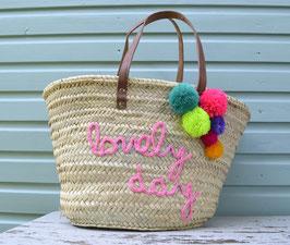 Korbtasche LOVELY DAY rosa mit bunten Pompons