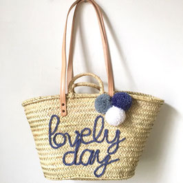 Korbtasche LOVELY DAY mit drei Pompons
