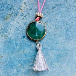 Halskette mit grünem Glasanhänger