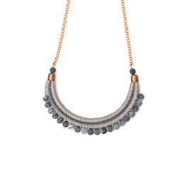Collier Grau mit Perlen