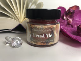 """Bookish Candle """"Trust me - Blindes Vertrauen"""""""