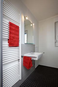 Handtuchheizung TOWELHEAT mit elektrischer Beheizung