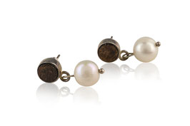 Lignum ear studs with freshwater pearl